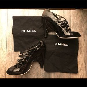 NWOT AUTHENTIC CHANEL BLK PATENT LEATHER HEELS 🖤